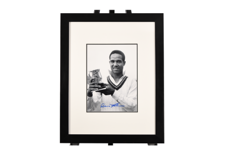 SIGNED GARY SOBERS PRESENTATION