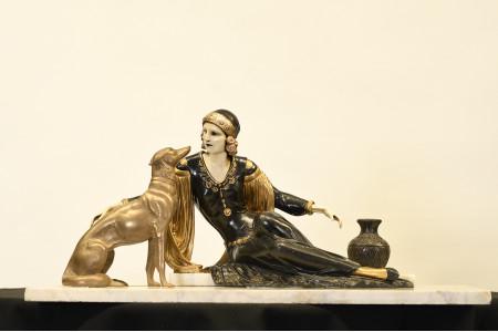 DECO STYLE LADY & DOG