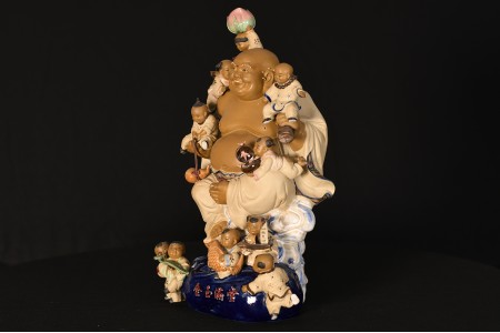 ORIGINAL PORCELAIN BUDDHA WITH CHILDREN