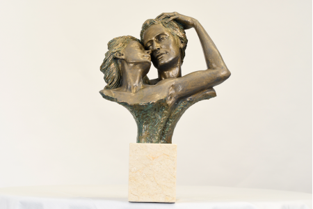 SPANISH SCULPTURE EMBRACING COUPLE