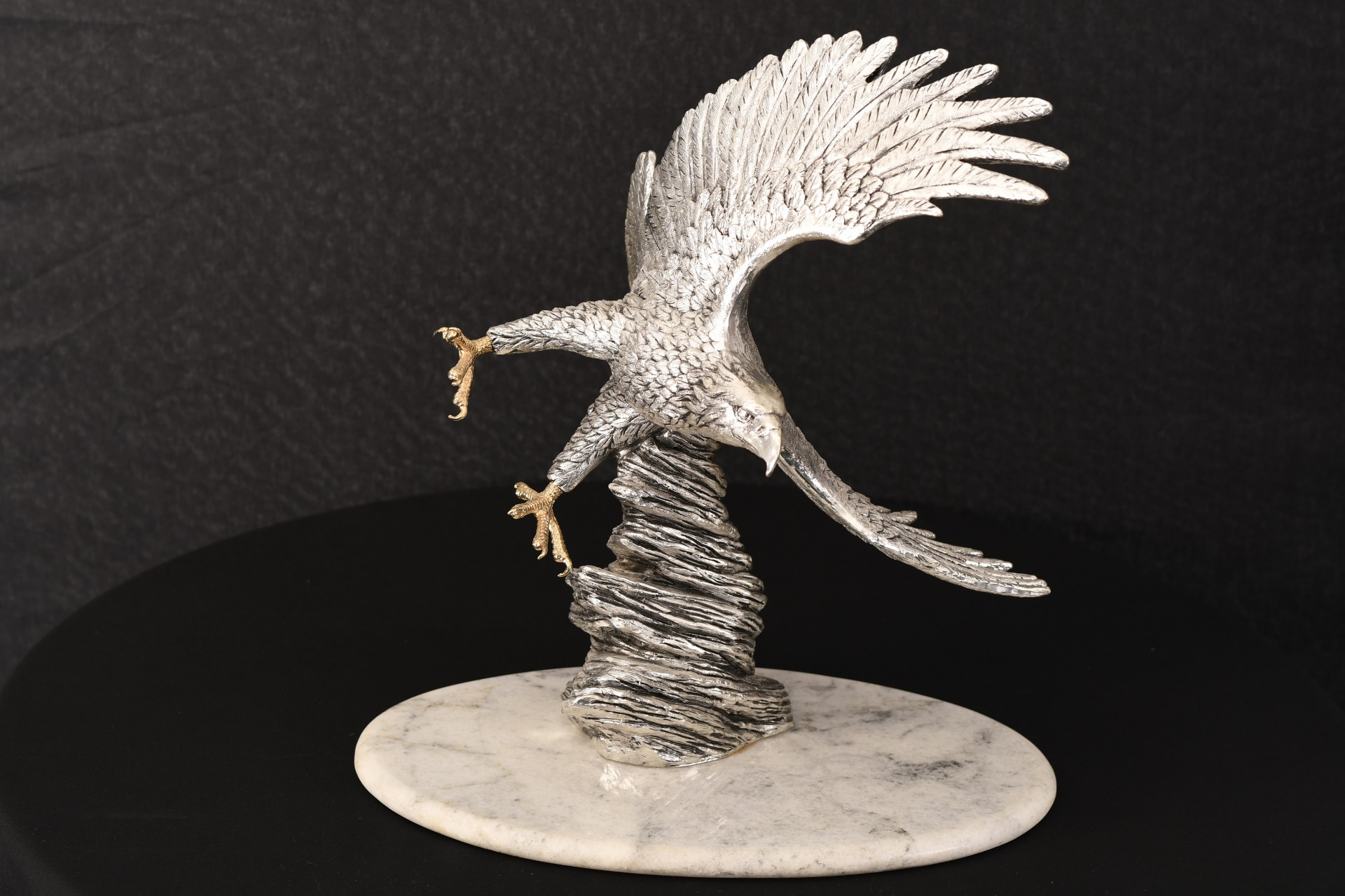 EAGLE SCULPTURE ON MARBLE