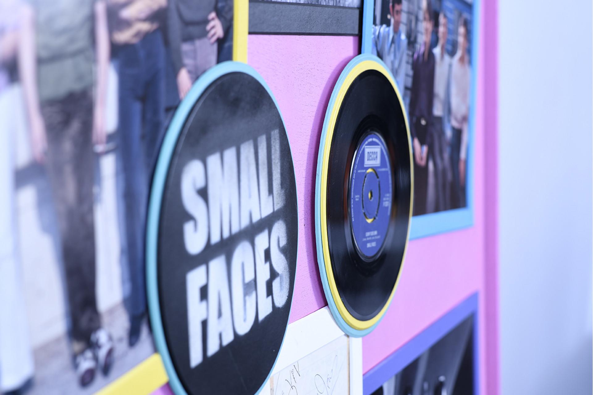 """""""SMALL FACES"""" UNIQUE SIGNED MEMORABILIA"""