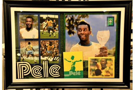 UNIQUE PELE FRAMED PRESENTATION