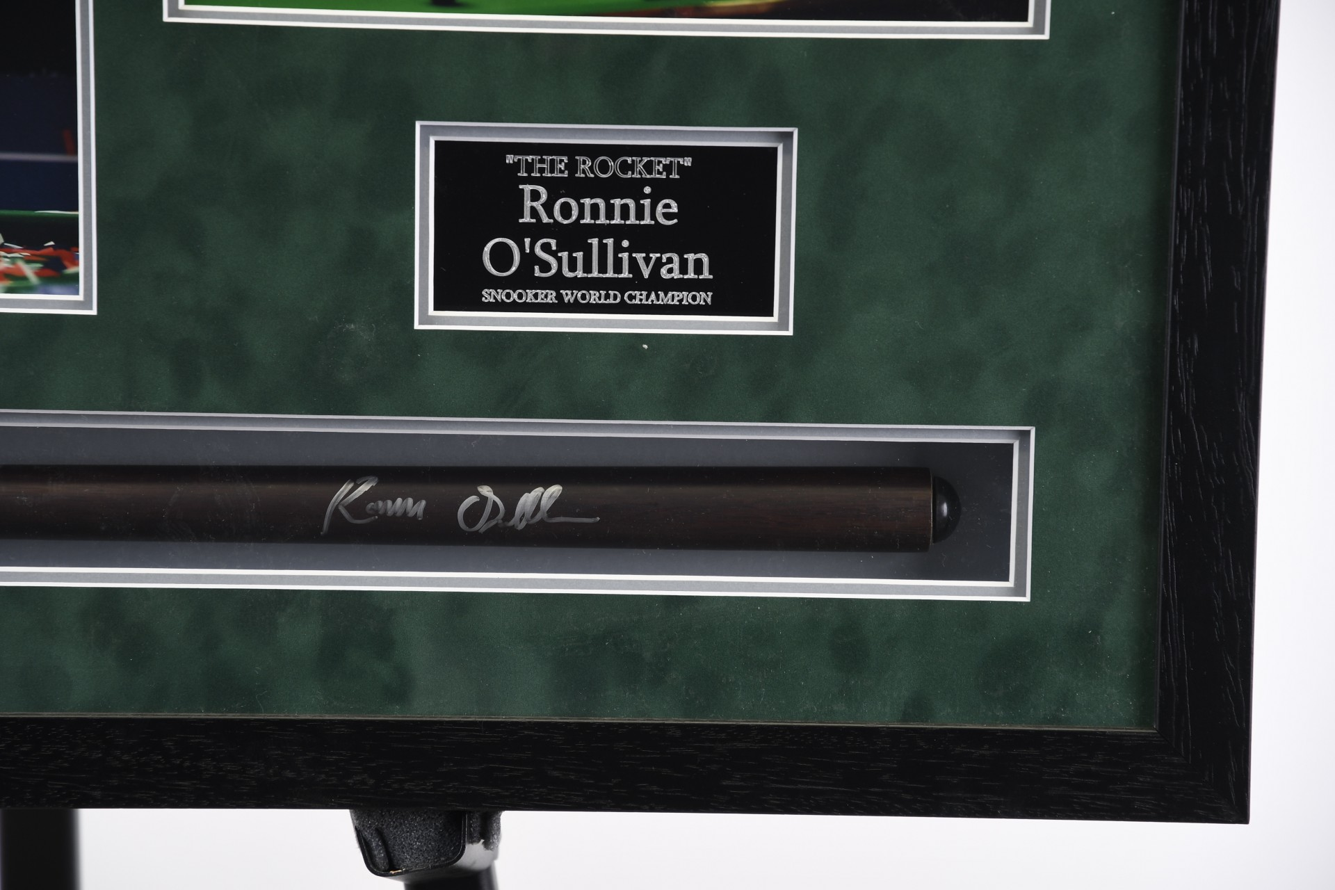 SIGNED CUE BY RONNIE O'SULLIVAN
