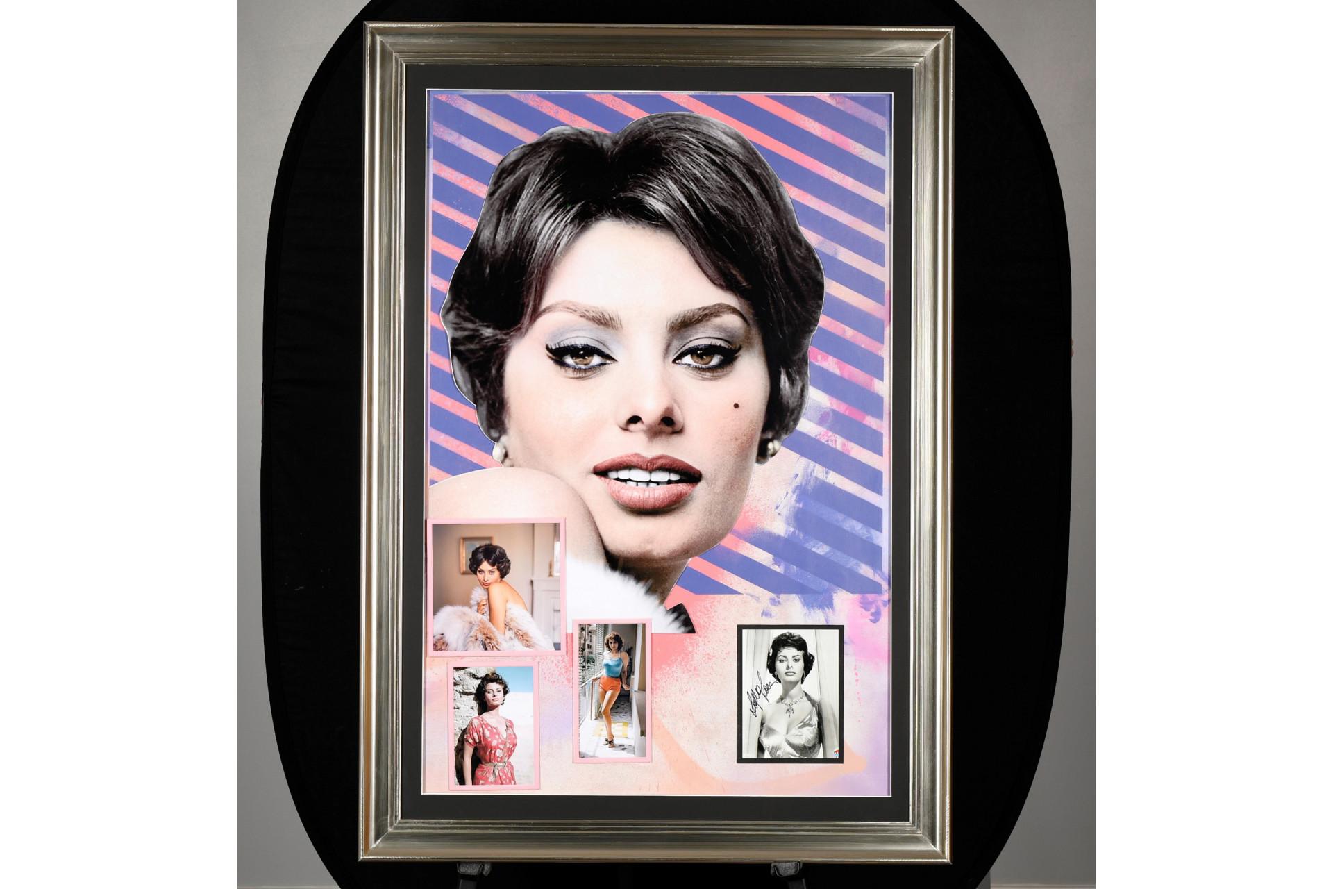Framed Art Memorabilia Presentation with Original Sofia Loren Signed Photograph